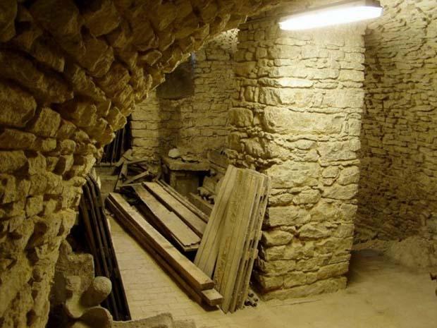 Как сделать подвал из камня