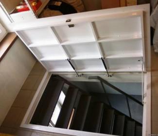 Самый-легкий-в-исполнении-вариант-–-люк-в-перекрытии-с-простой-лестницей
