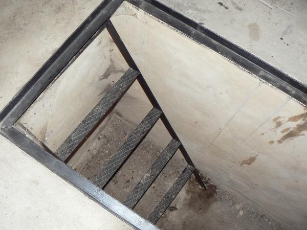 Лестницы в подвал фото