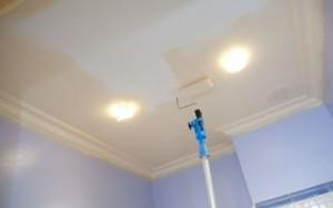 Покраска-в-2-слоя-Лучшее-покрытие-потолка.