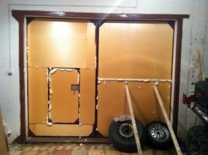 kak-uteplit-vorota-v-garazhe