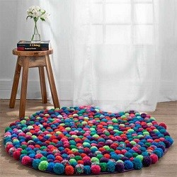 как из помпонов сделать коврик для стула