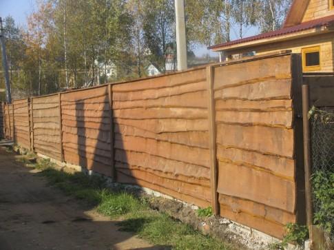 derevjannyj-zabor-lesenka-dlja-dachi-485x363
