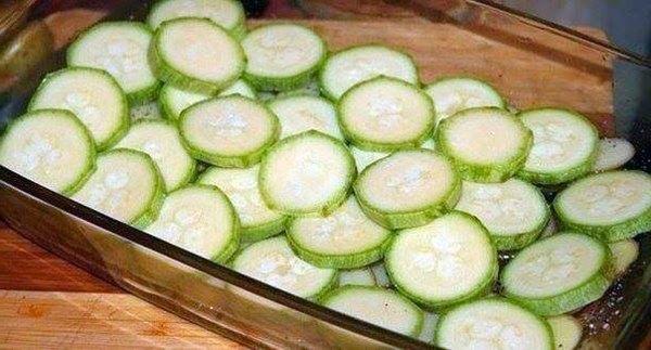 Картофель-с-беконом-и-кабачками1